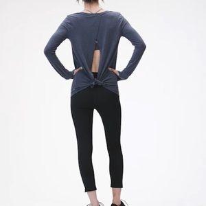 🌺NWOT open back/ tie style back long sleeve🌺